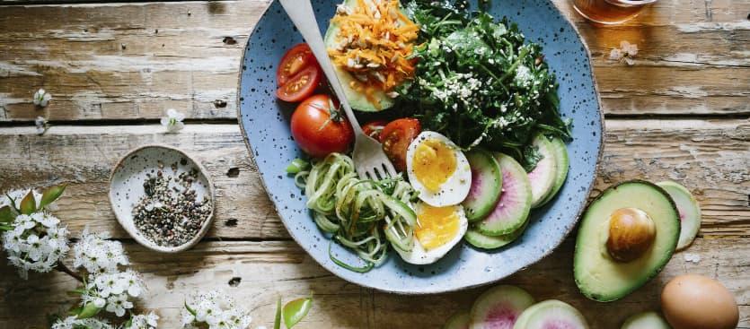 Qué debe tener un plato saludable